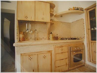 Piano cottura e lavello mangiatoia piano cottura e lavello con cappa - Piano cucina in muratura ...
